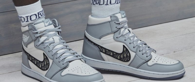 801x410 https hypebeast.com image 2019 12 dior jordan brand air jordan 1 high og official images release infodior jordan brand air jordan 1 high og official images 001