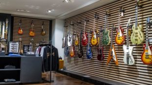 pop up store gibson 1