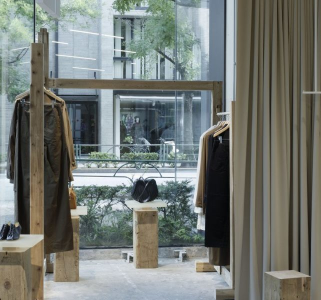 pop up store tokyo lemaire